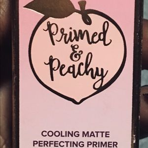 Too Faced Makeup - Too faced primed and peachy 🍑 primer